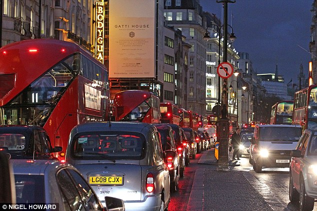 OXO-05_1411674138135_wps_6_Traffic_in_Central_London